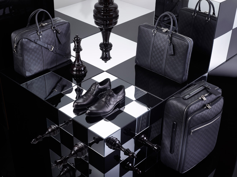 Louis-Vuitton-Signature-Damier_b1