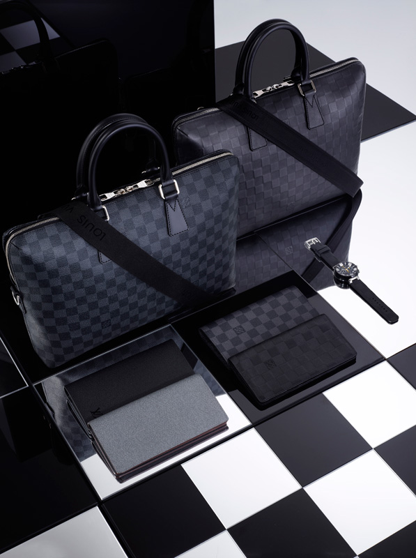 Louis-Vuitton-Signature-Damier_b2