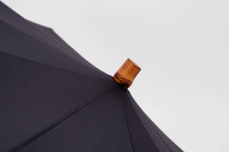 NAVY-BAMBOO-FOLDED-UMBRELLA_3