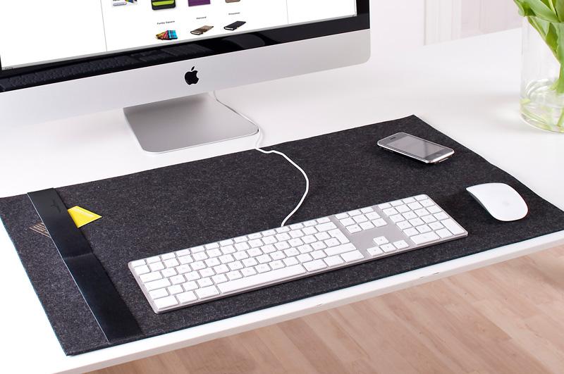 burning-love-deskpad-classic_3