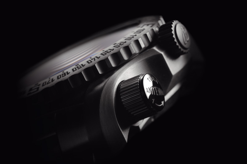 Breitling-Emergency-II_07