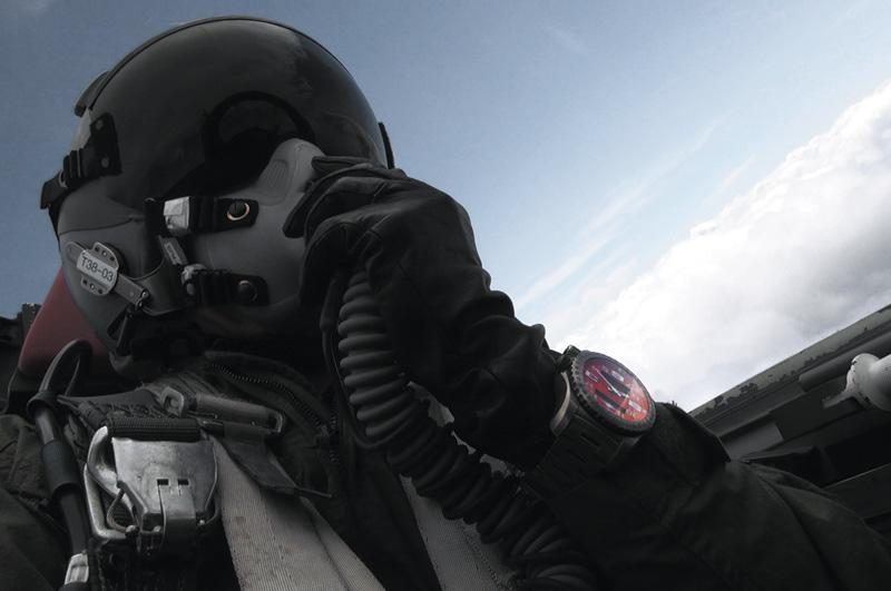 Breitling-Emergency-II_08