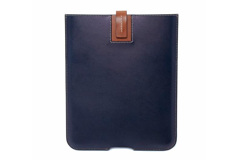 Bill-Amberg-Hunter-iPad-sleeve_01
