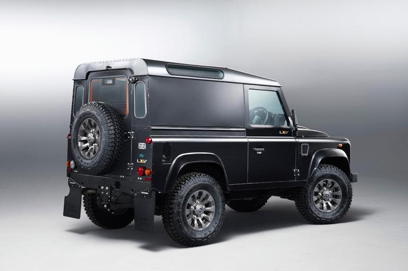 Land-Rover-Defender-LXV_02