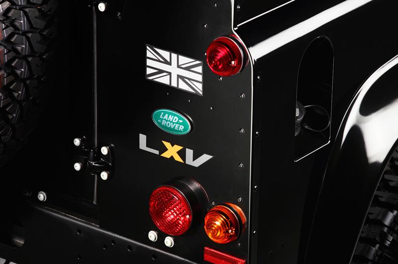 Land-Rover-Defender-LXV_03