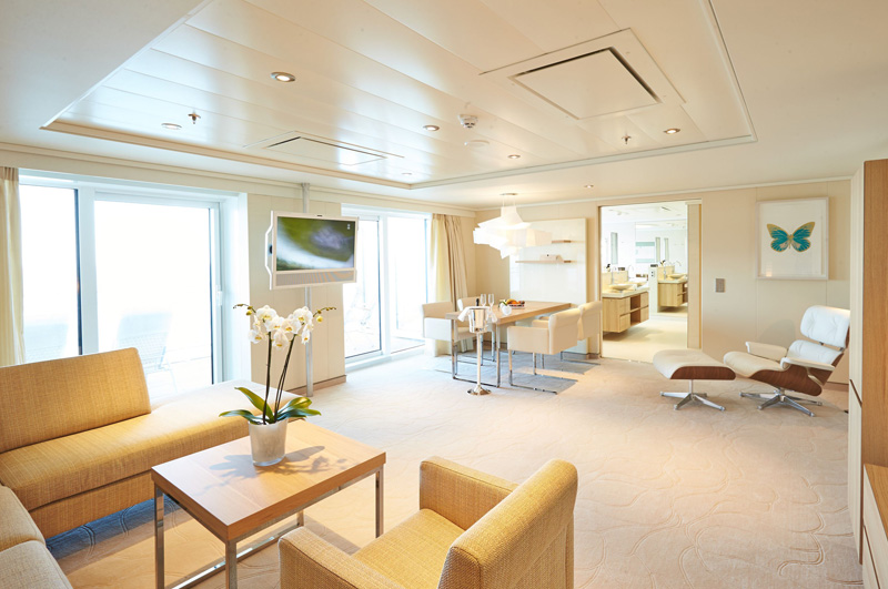 MS-Europa-2-Owners-Suite