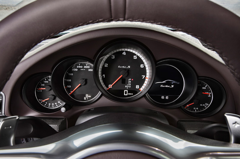 Porsche-911-991-turbo-S_04