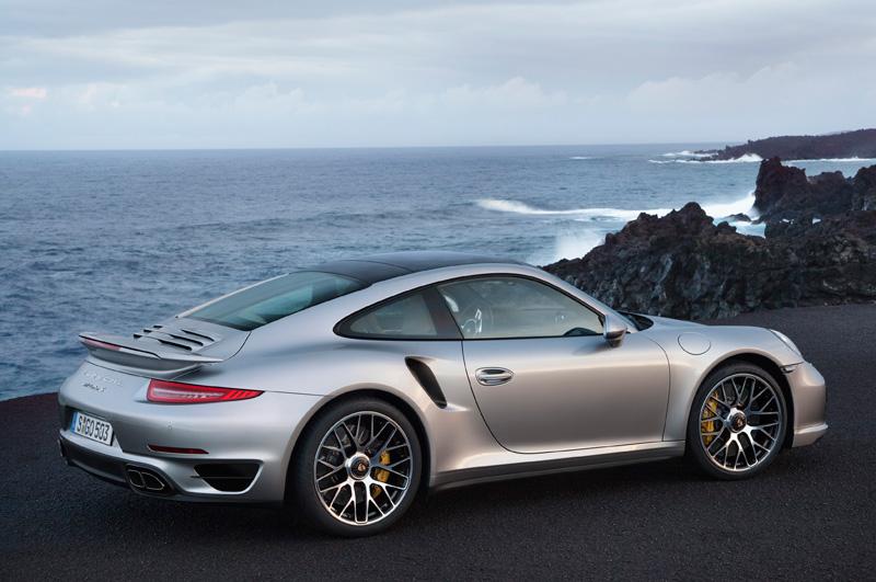 Porsche-911-991-turbo-S_06