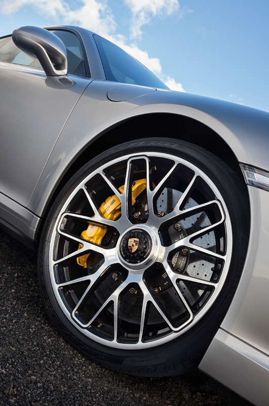 Porsche-911-991-turbo-S_09
