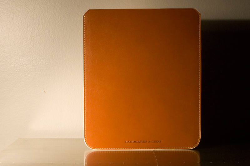 Landmarks-and-Lions-Quantum-iPad-Case_03