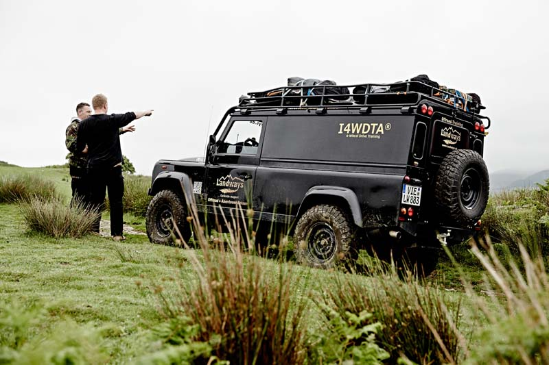 Drei Defender in Wales