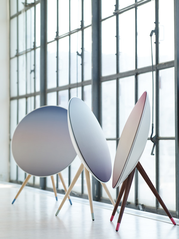 Bang&Olufsen-BeoPlay-A9-nordic-sky_3
