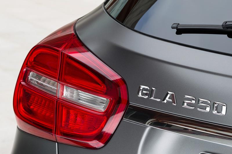 Mercedes-Benz-GLA_10
