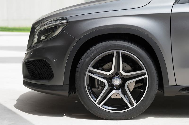 Mercedes-Benz-GLA_11