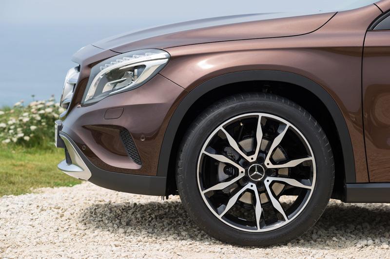 Mercedes-Benz-GLA_12