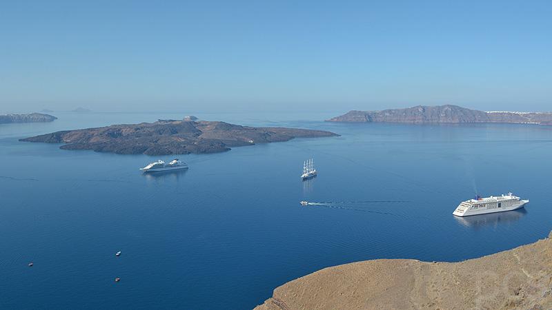 MS Europa 2 Kreuzfahrtschiffe Santorin