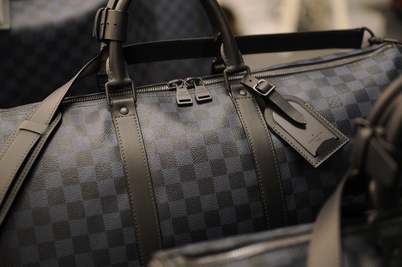 Louis-Vuitton-Damier-Cobalt-02