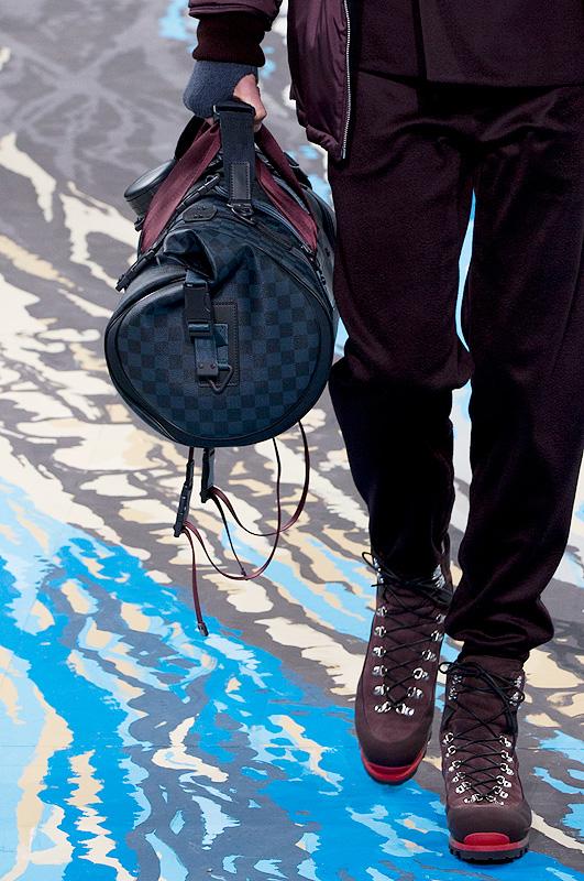 Louis-Vuitton-Damier-Cobalt-20