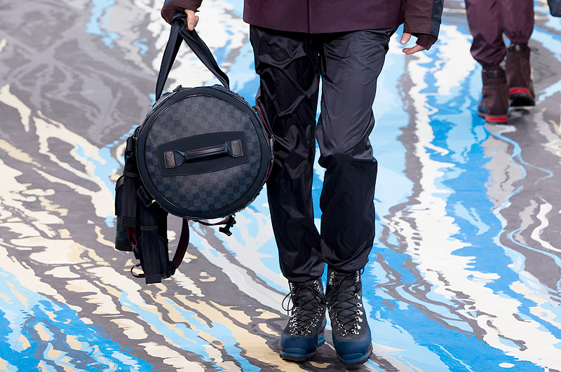 Louis-Vuitton-Damier-Cobalt-22