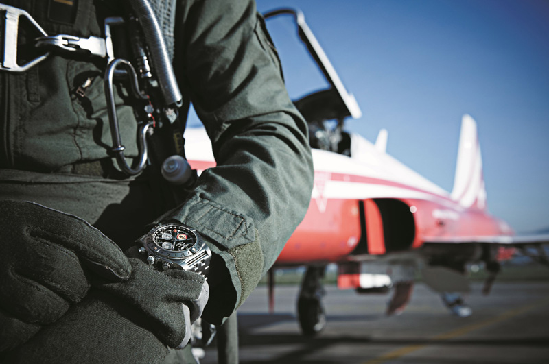 Breitling-Chronomat-Patrouille-Suisse_02