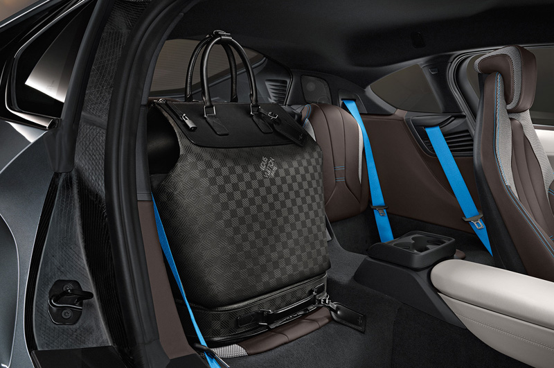 Louis-Vuitton-for-BMW-i8_02