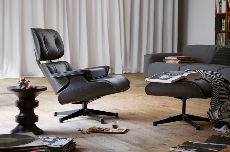 luxify das lifestyle und luxus magazin vitra eames lounge chair schwarz. Black Bedroom Furniture Sets. Home Design Ideas