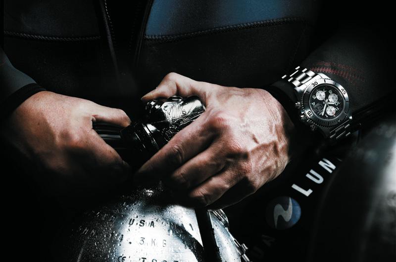 Breitling-Superocean-Steelfish_02