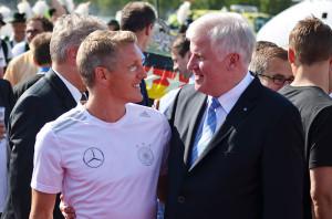 4 Sterne deluxe - die Weltmeister am Flughafen München