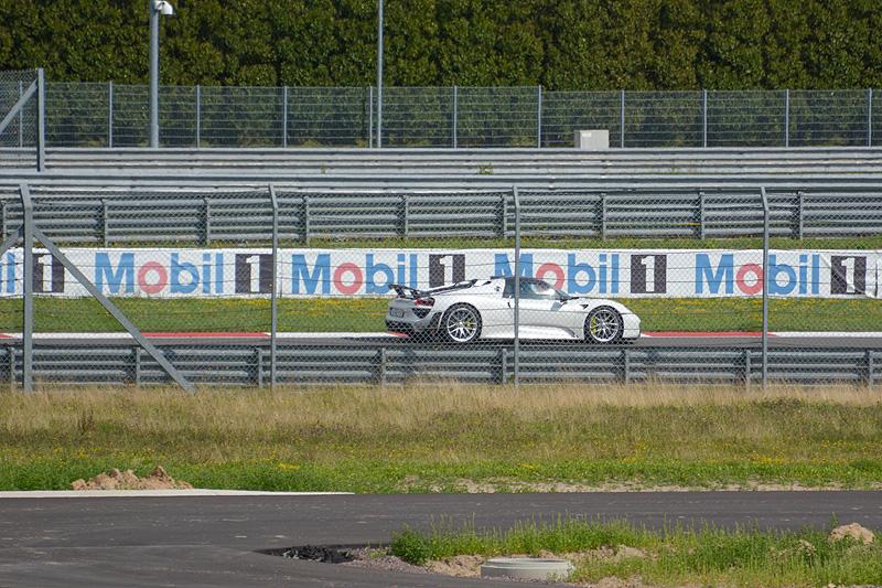 Porsche-918-spyder_7701