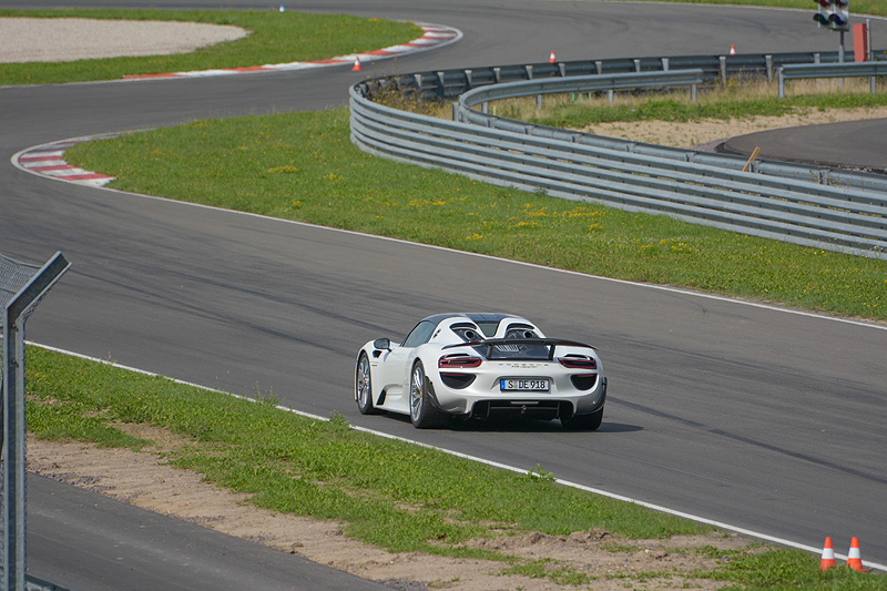 Porsche-918-spyder_7710