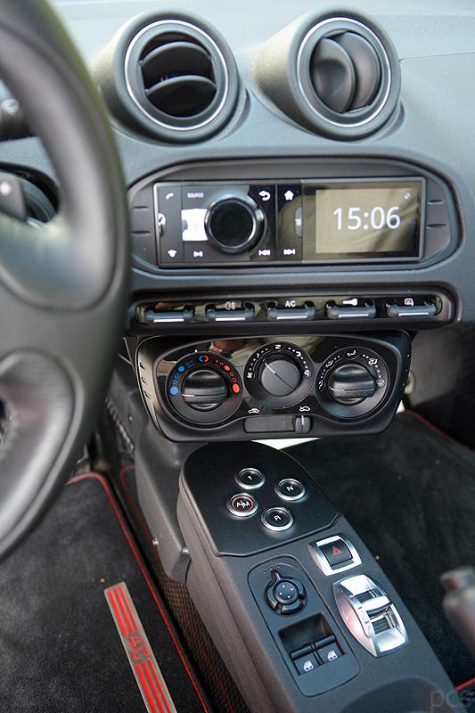 Alfa-Romeo-4C_0671