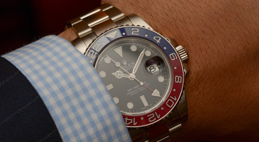 Hands-on Rolex GMT-Master II 116719BLRO