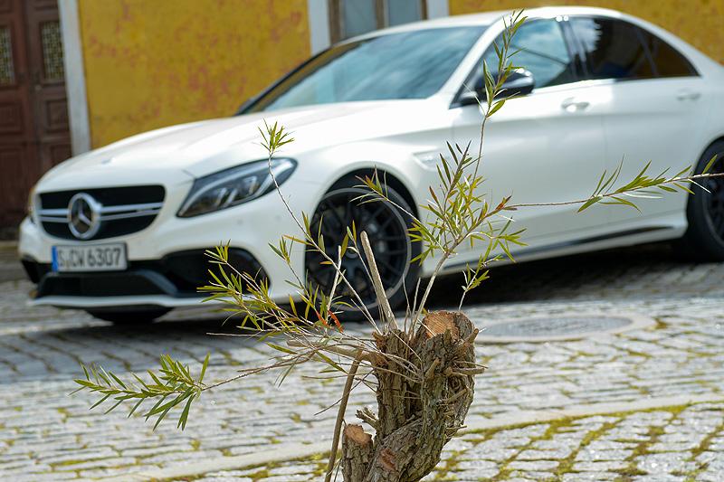 Mercedes-C63-AMG_3472