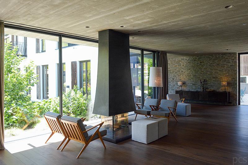 Rezeption Architektur Hotel Wiesergut Saalbach Hinterglemm Österreich