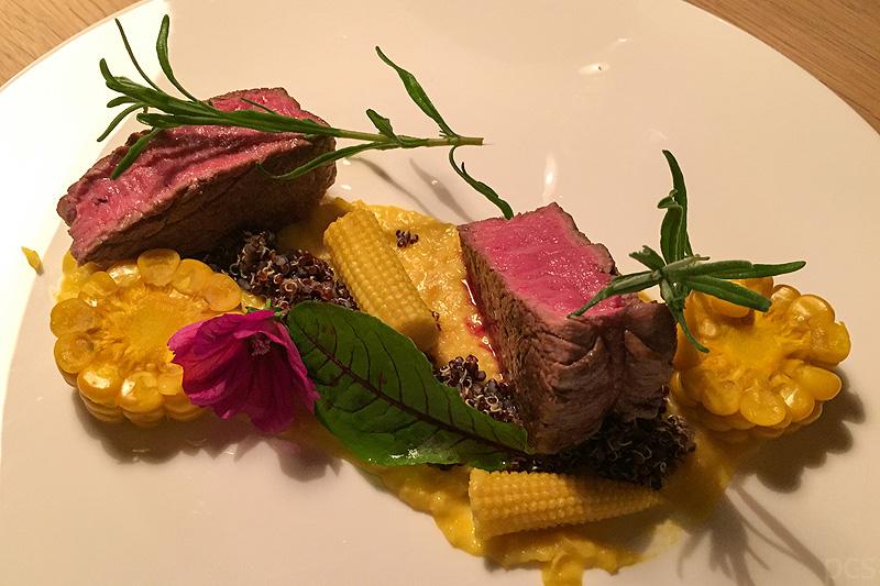 Luxify Reisebericht Hoteltest Wiesergut Steak Regional Dinner