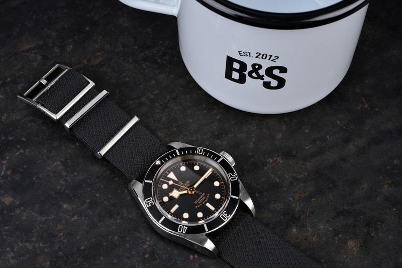 BS-Tudor-BlackBay-Black-83