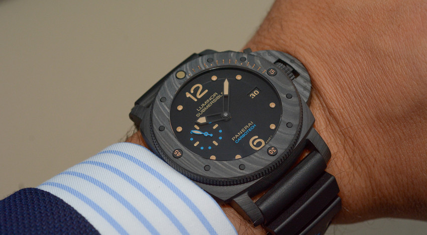 Hands-on Panerai Submersible 1950 Carbotech