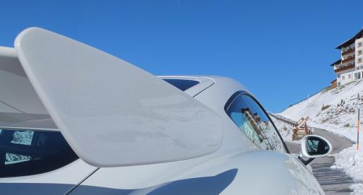 Porsche Cayman GT4 – on snow