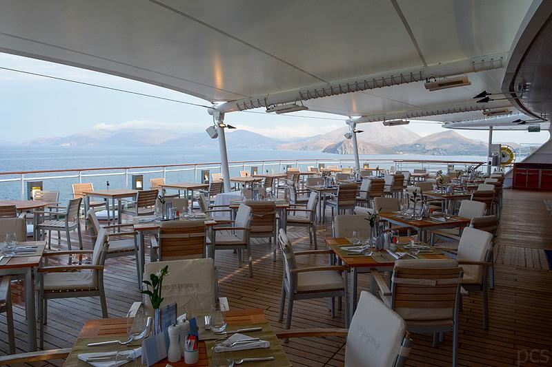 Europa 2 Yacht-Club amTag