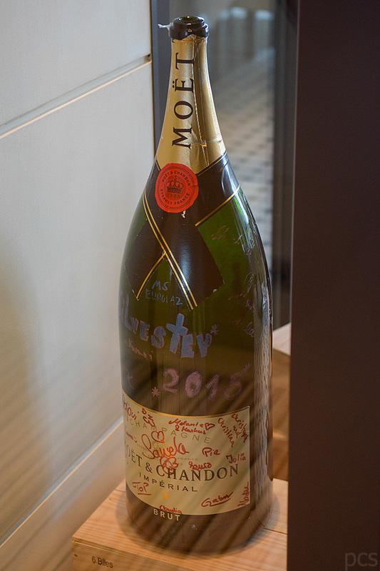 Europa 2 Moet Chandon Champagner