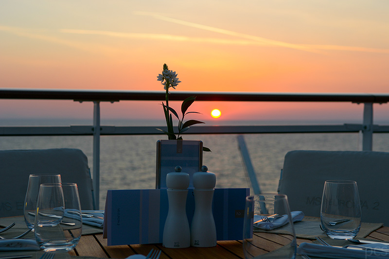 Europa 2 Sunset Yacht-Club