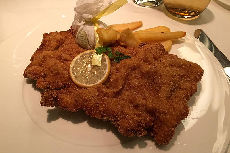 Europa 2 Traditionelles Wiener Schnitzel