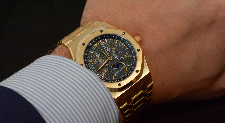Hands-On Audemars Piguet Royal Oak 26574