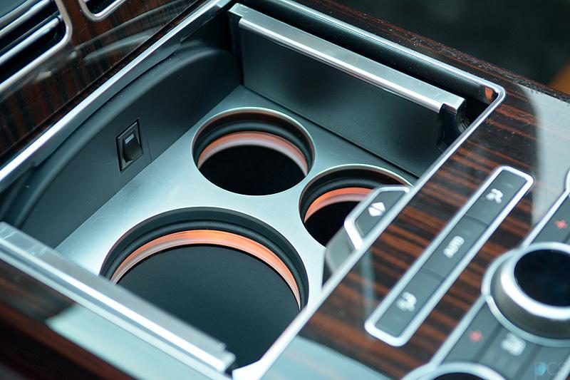 Range-Rover-SVAutobiography_9669