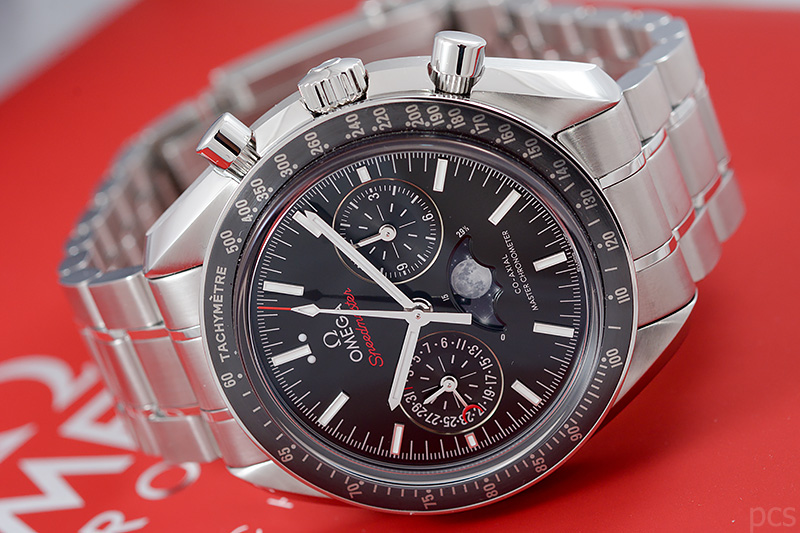 Omega-Speedmaster-Moonphase_7856