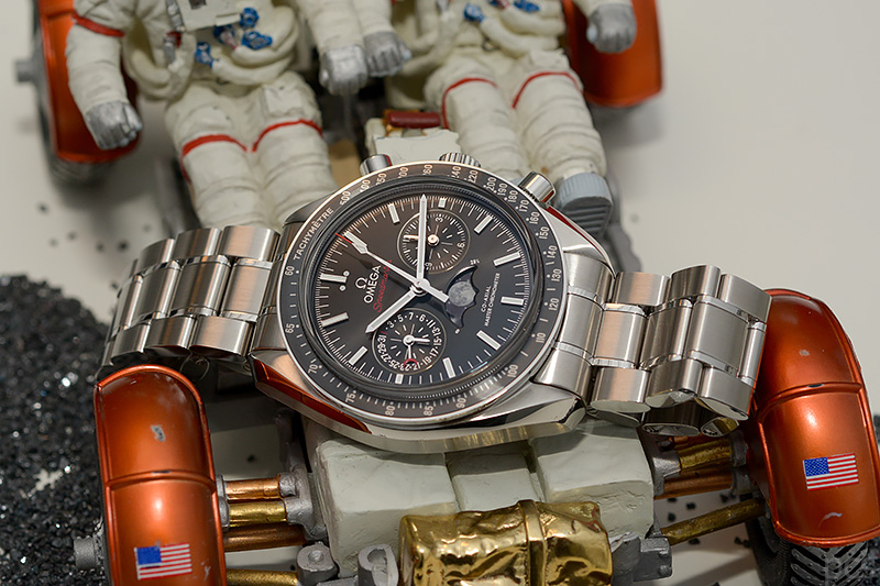 Omega-Speedmaster-Moonphase_7857