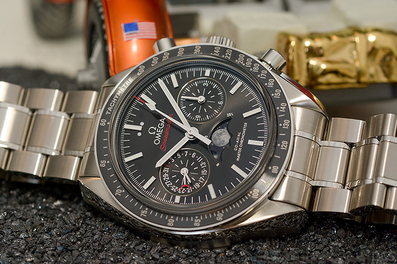 Omega-Speedmaster-Moonphase_7868