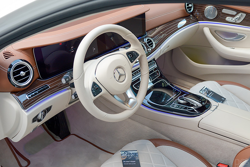 Mercedes-E400T_0228