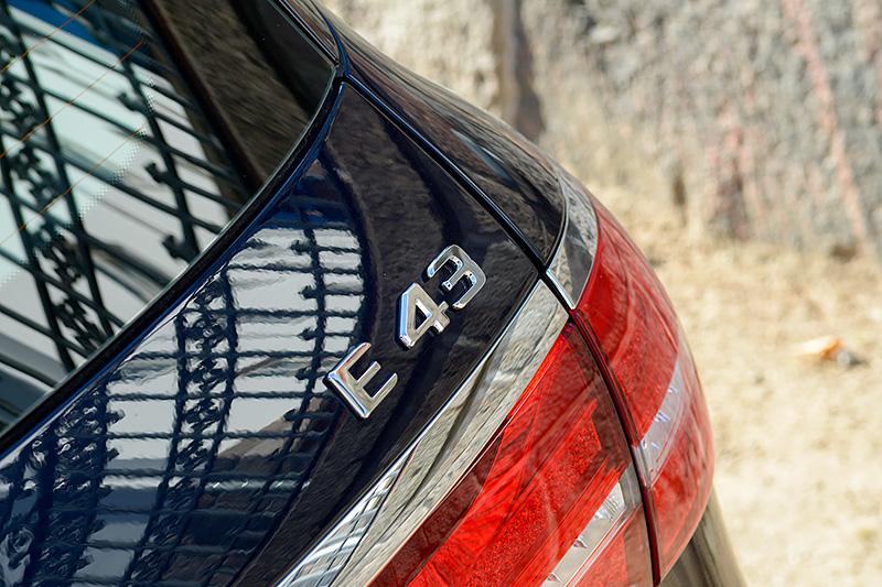 Mercedes-E43T_0326