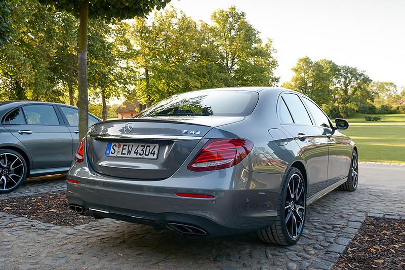 Mercedes-E43_0462
